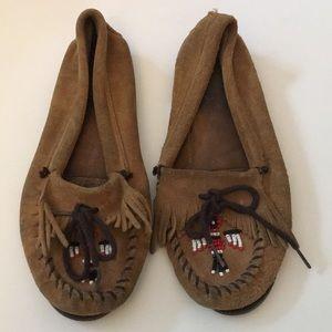 Minnetonka moccasins size 8